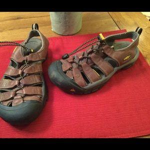 Keens Leather Waterproof Sandals EUC